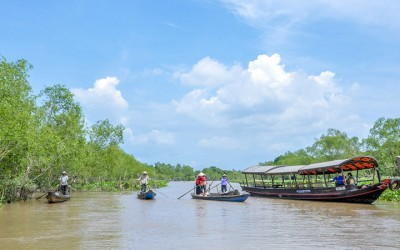 ROOM & MEKONG TOUR