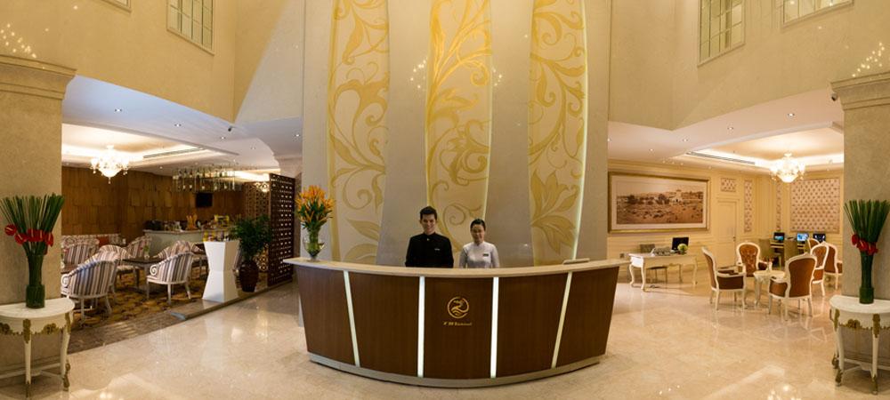Khách sạn Grand Silverland sừng sững giữa lòng Sài Gòn